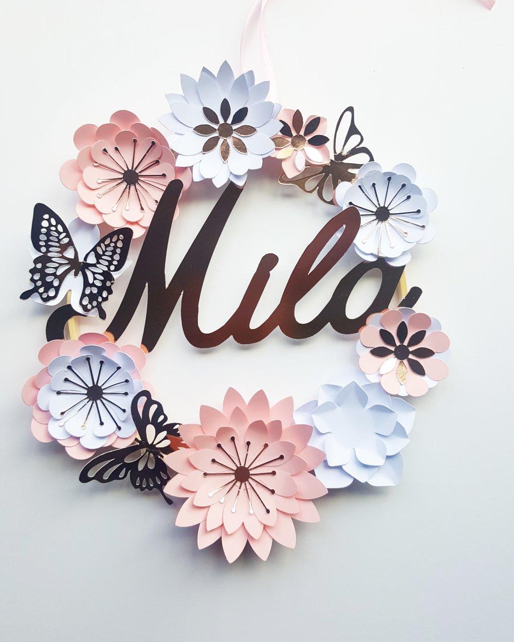 Couronne prenom fleurie, decoration murale,fleurs papier,cercle bois,cadeau naissance, noel