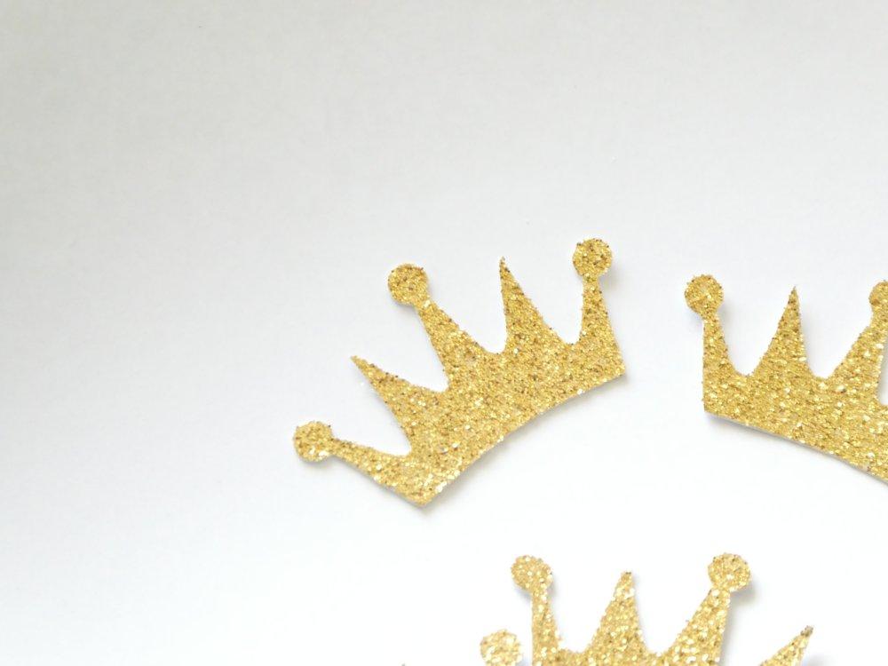 Confettis couronnes dorées