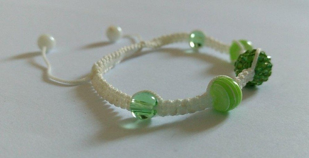 Bracelet macramé avec perles