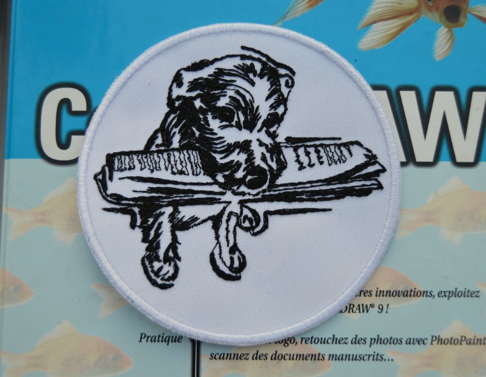 patch thermocollant, écusson , broder chien ,jouranl 10cm