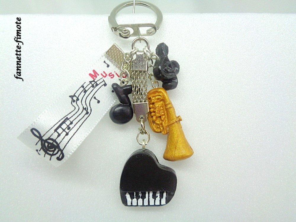 Porte Clé Pâte polymère Fimo Musique Piano, Clé de Sol, Note de musique, Tuba + Ruban - Fait main