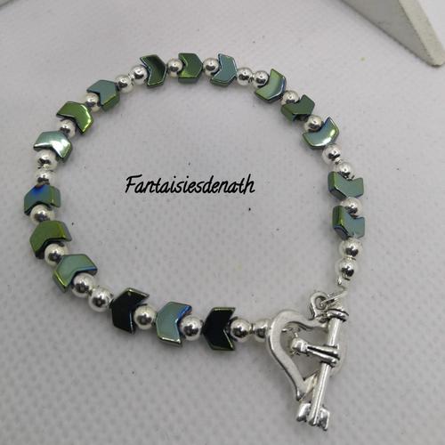 Bracelet de chevrons d'hematites verts