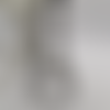 Collier deux rangs de petites perles noires argentees et blanches opaques