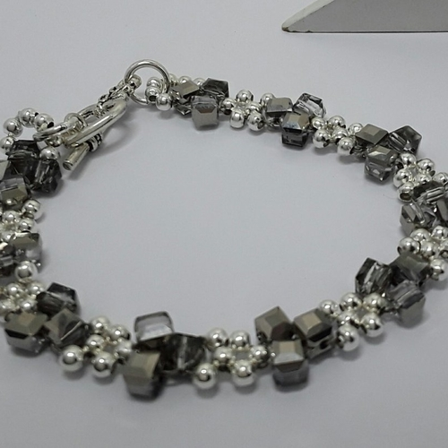 Bracelet gris chrome et argente swarovski