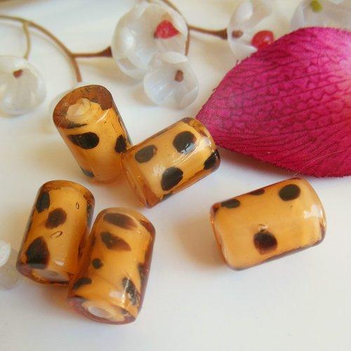 petit lot de 70 PERLES en verre  ANCIENNE forme grain de riz couleur violine