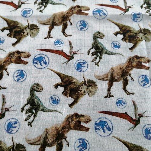 Tissu coton motifs dinosaures   l:50 x h:50