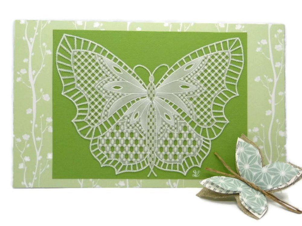 """Carte Pergamano """"Papillon de printemps"""" en dentelle de papier"""
