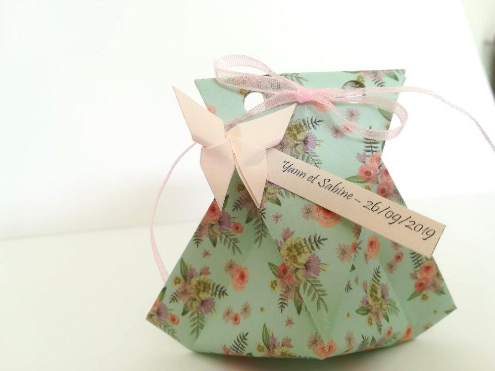 Boîte à dragées mariage romantique en origami / berlingot baptême en origami / cadeau invité / décoration table mariage
