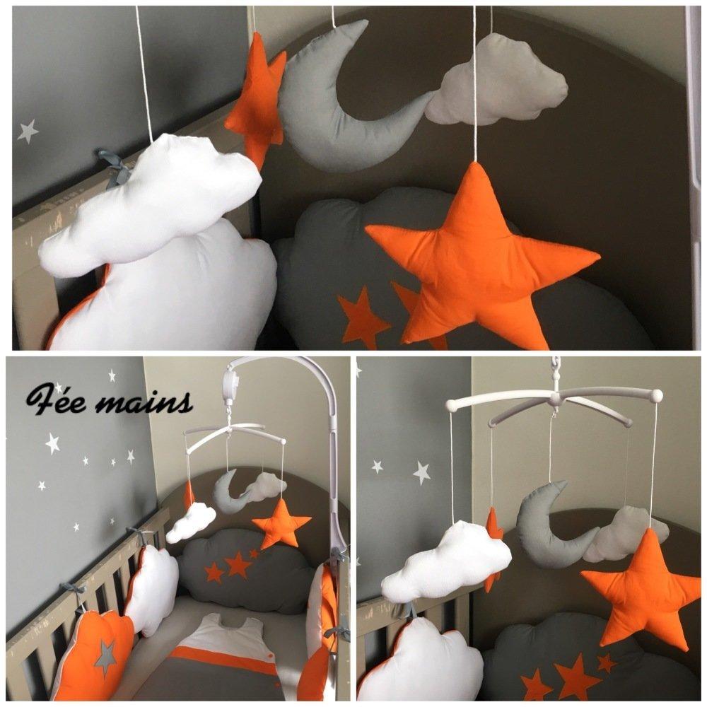 Mobile musical pour bébé avec lune, étoiles et nuages