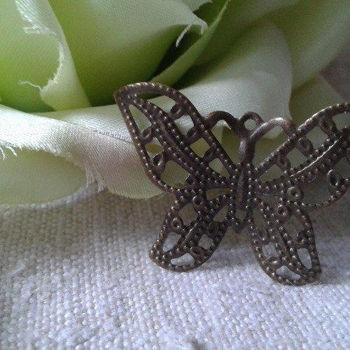 Lot de 10 estampes papillons, en bronze