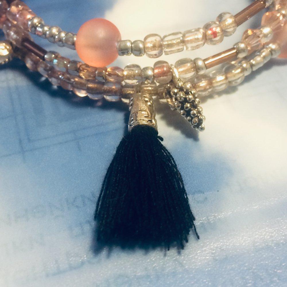 Fil De Peche Rose bracelet rose poudré/rose thé/pêche, noir et argenté, pompons, fil mémoire  de forme, multirangs
