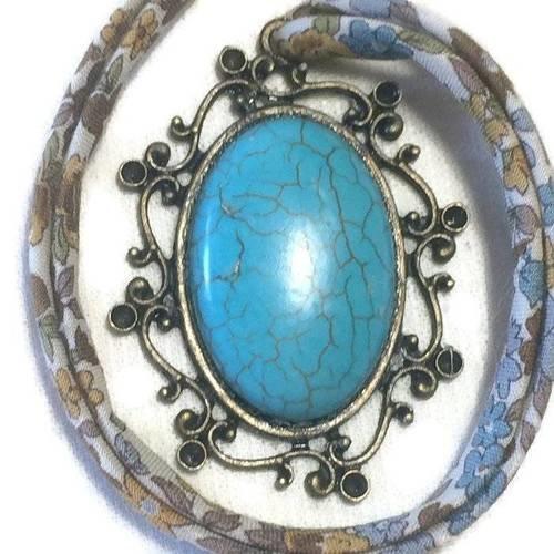 Collier pendentif ovale et bronze dentelle, camée turquoise sur ruban japonais à fleurs, romantique, rétro