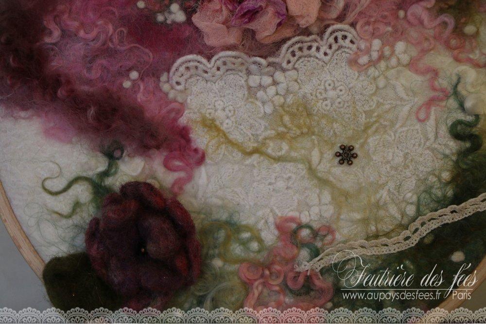 """Tableau en feutre, soie et dentelle """"Mon mini jardin textile"""""""