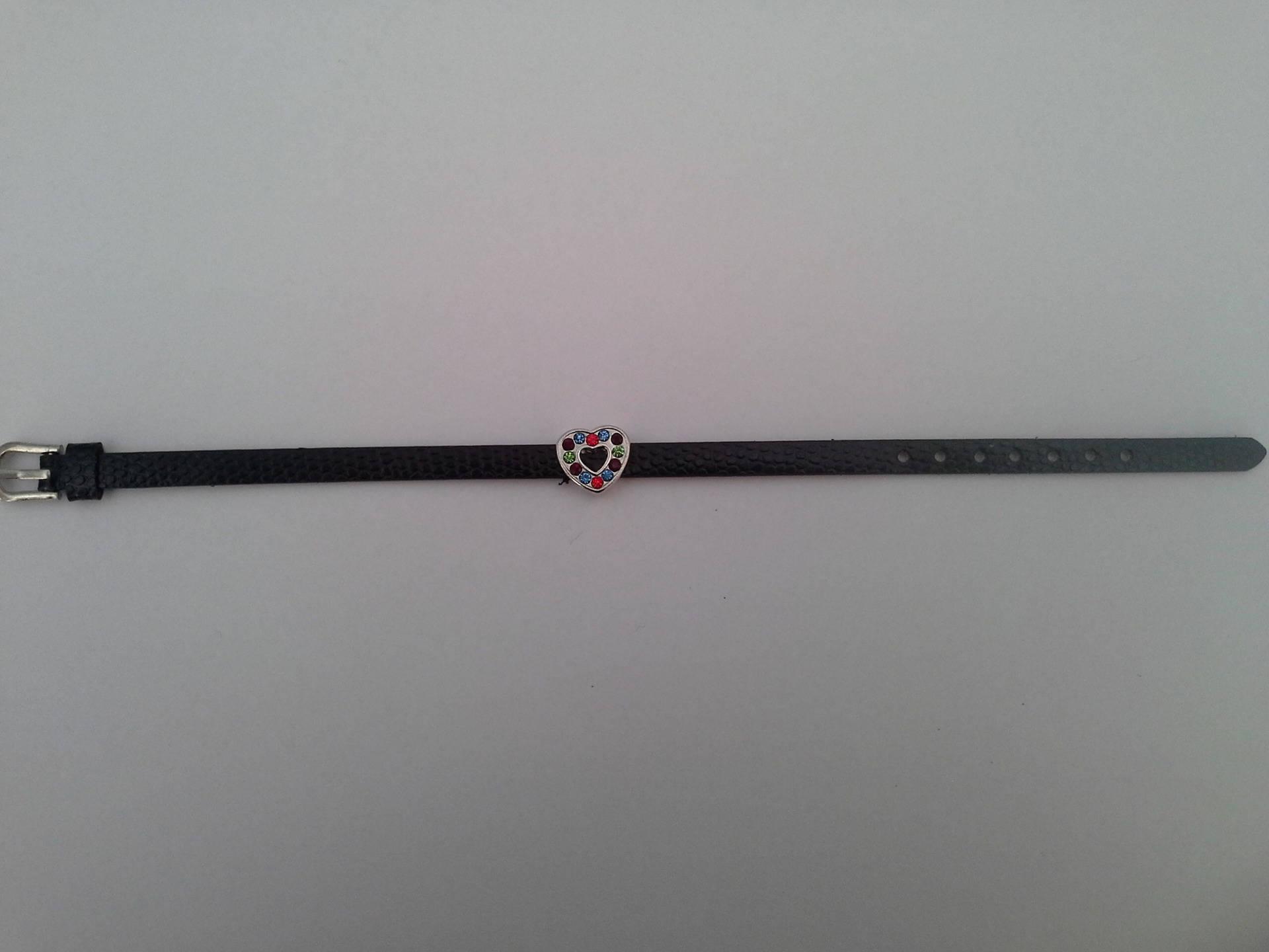 bracelet simili cuir noir et coeur strass