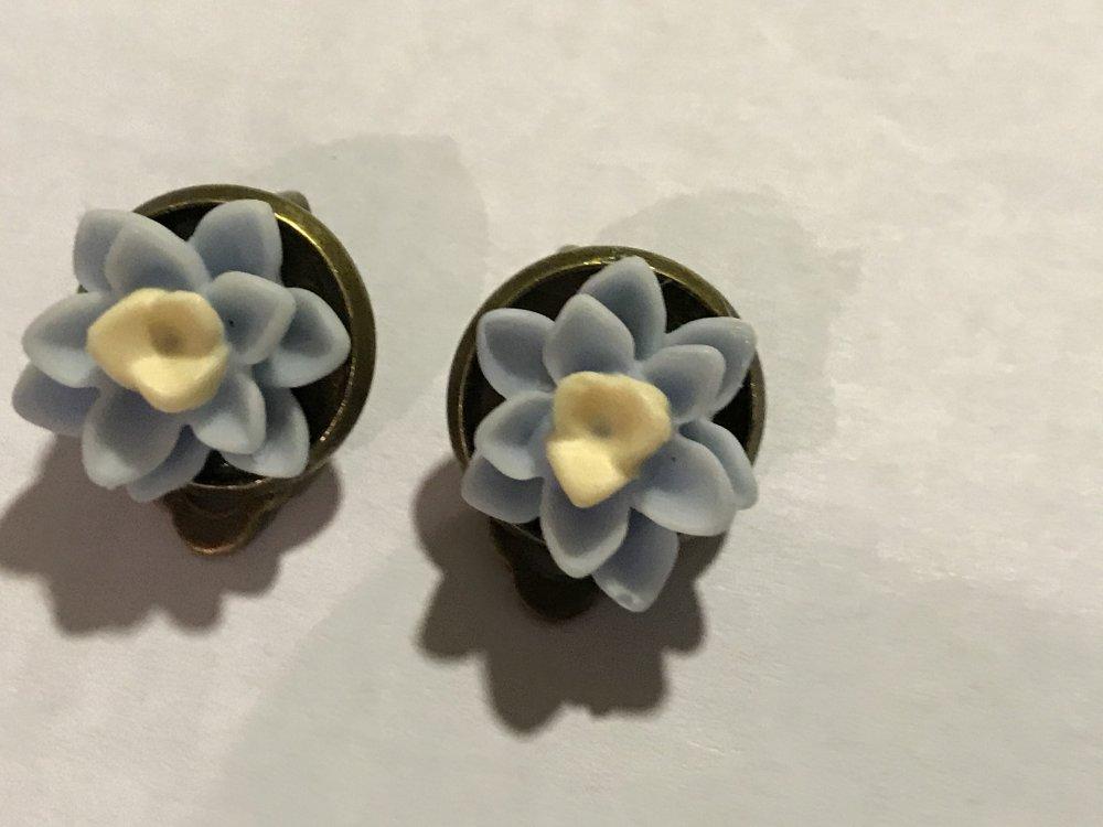Boucles d oreille clip fleur