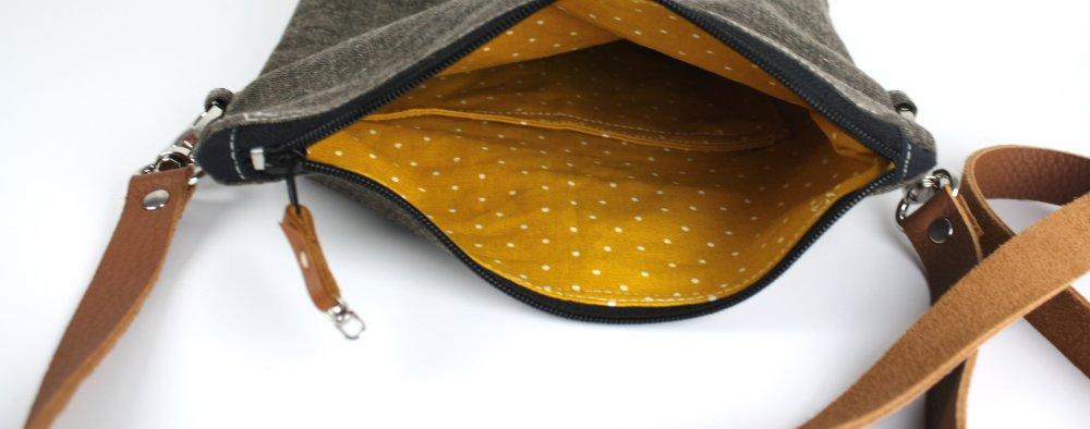 Sac plié, à bandoulière, en toile coton, enduite, waxée, à bandoulière amovible cuir, doublé coton