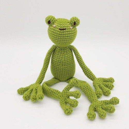 Doudou grenouille verte au crochet écologique | animal aquatique | cadeau de naissance fille et garçon | doudou longues pattes