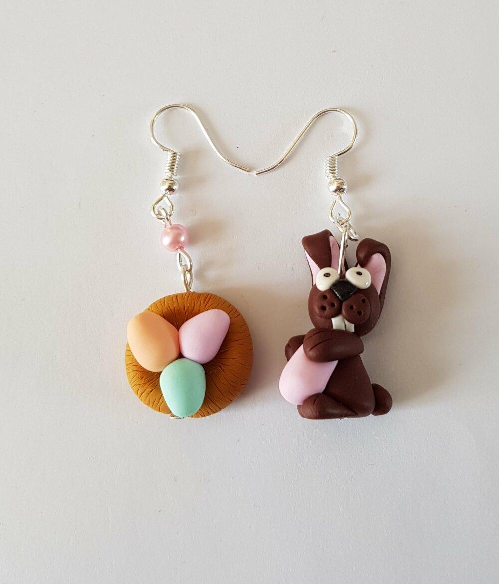 boucles d'oreilles pâques,cadeau pâques,nids de paques, oeufs chocolat de paques,boucles depareillees,PAQUES