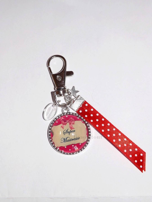 porte clé *cadeau maitresse *ruban * super maitresse * rouge * étoile