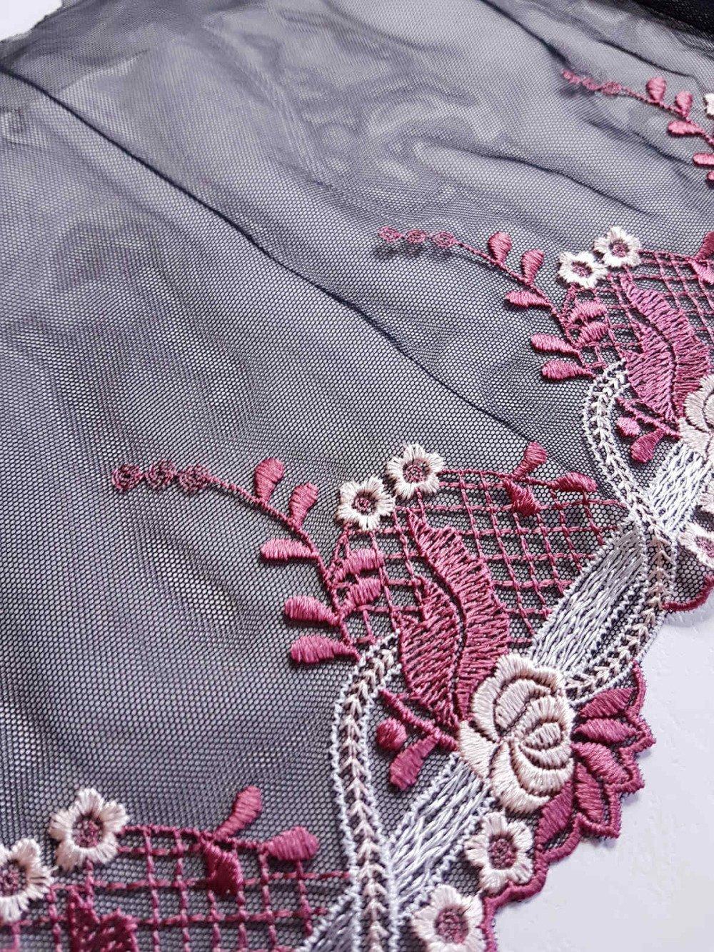 x1m jolie dentelle broderie sur tulle noir floral  largeur 21cm