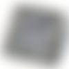 Broche brodée «archi» effet métal