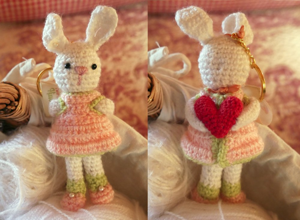 Lapin Lapine peluche doudou poupée Saint Valentin cœur porte-clés