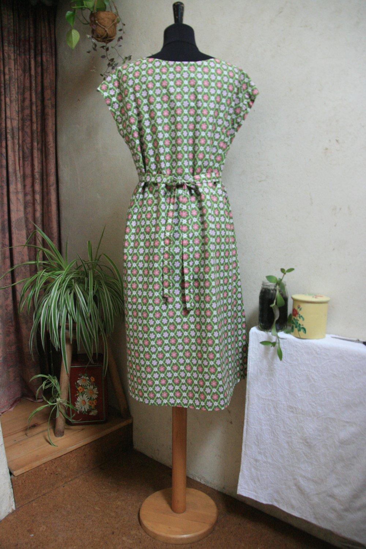 Robe en coton fleurie, taille 40/42