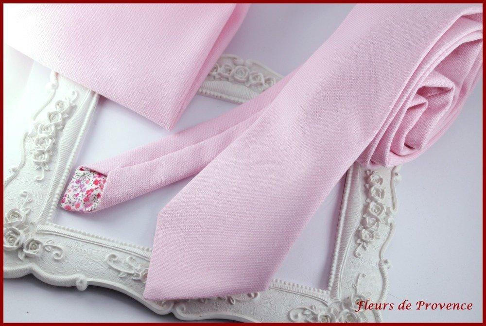 Set Cravate, Boutons de manchette et pochette costume  unie rose - Homme