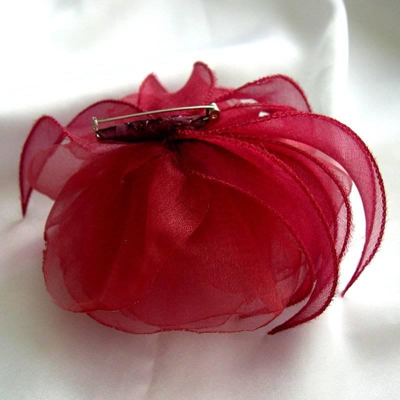 Broche fleur en tissu, rose rouge en organza, accessoires mariage, ceremonie, fête, accessoires femme