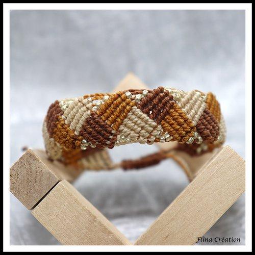 Bracelet macramé motif carré avec perles