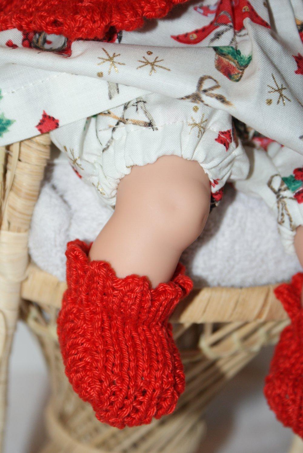 vêtement pour poupon 30 cm robe  rouge , vert et doré theme Noel avec bonnet lutin rouge