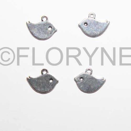 4 breloques pendants les oiseaux en métal argenté vieilli