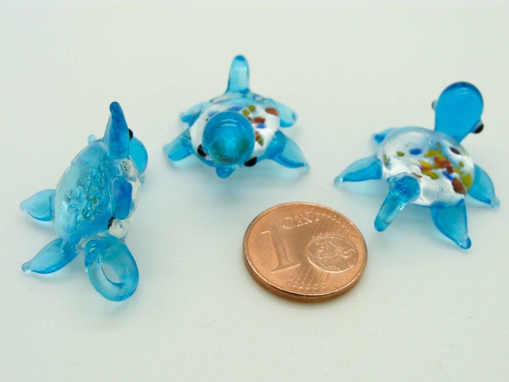Mini Pendentif Tortue Bleu Animal 28mm en verre lampwork pour création de bijoux collier