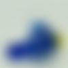 Mini pendentif poisson bleu foncé 23mm animal en verre lampwork pour création de bijoux collier