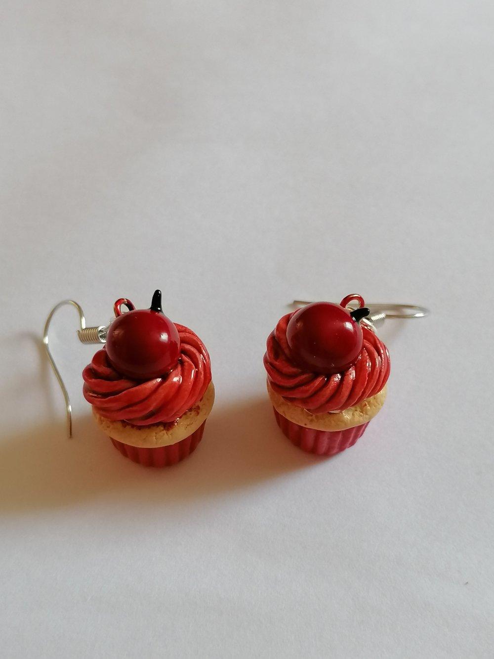 Boucle d'oreilles cupcakes pommes d amour rouge en fimo