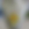 """Collier pendentif """"série de grandes croix fleuries"""". jaune"""