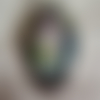 Broche en métal argenté cabochon verre «une créature féérique»