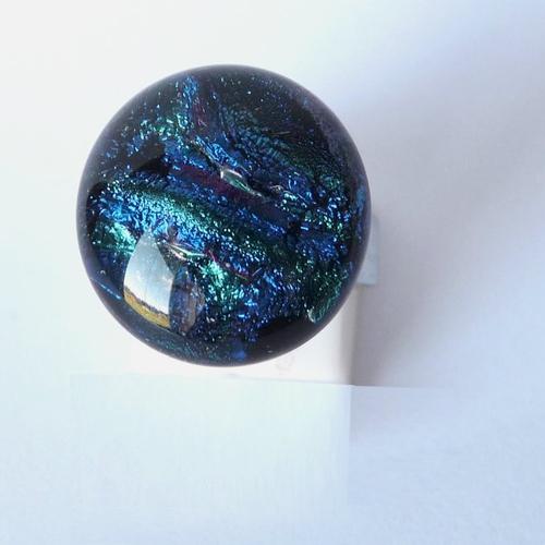 Bague violette et bleue reflets changeants verts