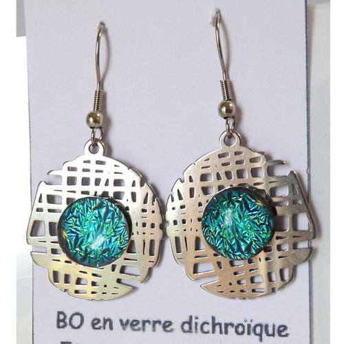 Boucles d'oreilles pendantes bleu ciel bijou fantaisie en verre fusionné qui brille