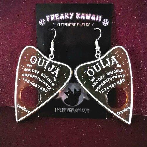 Crochets ou clips - boucles d'oreilles planche ouija planchette occulte esprits pastel goth creepy kawaii spooky harajuku halloween jeu