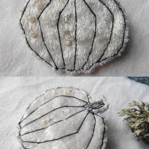 Broche textile citrouille velours blanc, cucurbitacée, forêt, sorcière, halloween, nature