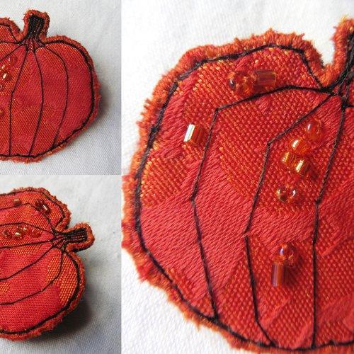 Broche textile citrouille orange, cucurbitacée, forêt, sorcière, halloween, nature