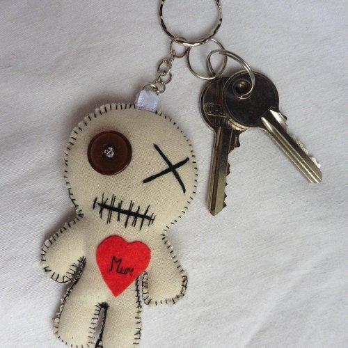 Porte-clés poupée vaudou blanc love mum the mummy maman fête des mères, momie, amour, voodoo, câlin, personnalisé