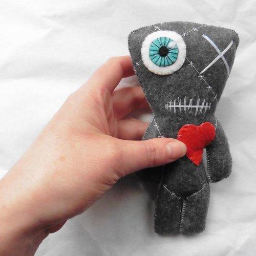 """Poupée momie vaudou franken """"le tout recousu"""" gris, voodoo, zombie, valentin, freak, circus, frankenstein, monstre, cadeau mari, homme"""