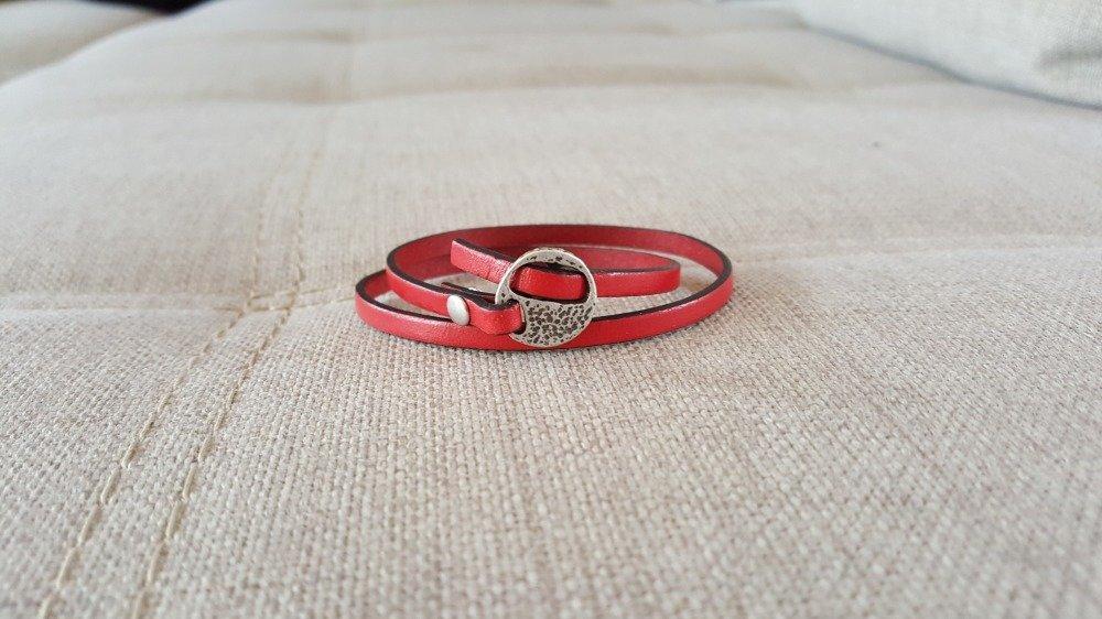 Bracelet en cuir rouge fermoir passant argent