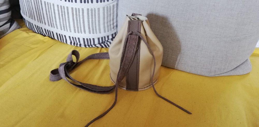 Petit sac à bandoulière en cuir beige