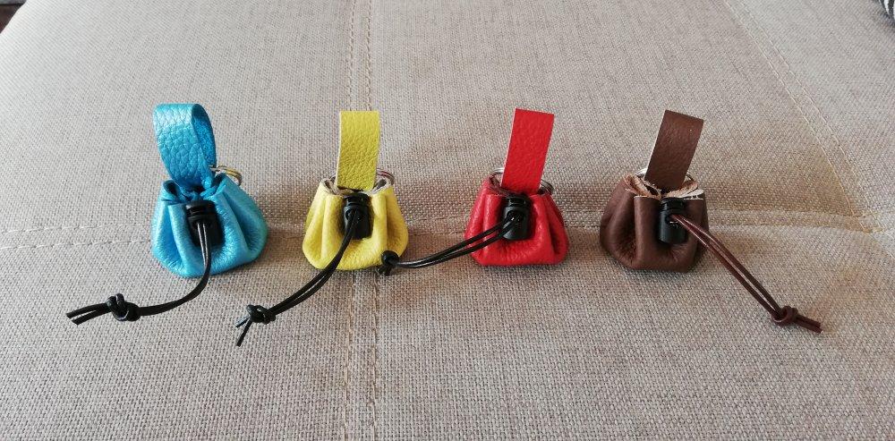 Porte clefs en cuir style bourse