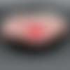 Coupelle florale grise et rouge
