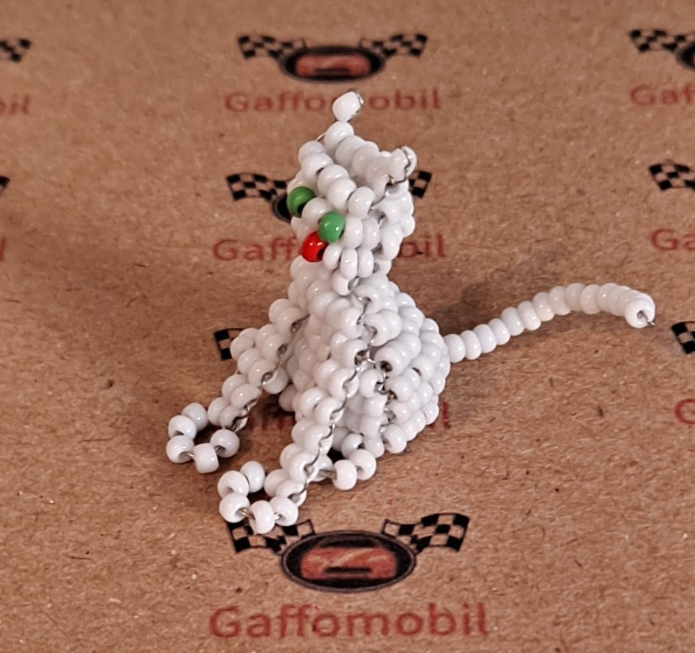 Chat miniature en perles de rocaille, Noël, idée cadeau fête des mères, anniversaire, déco