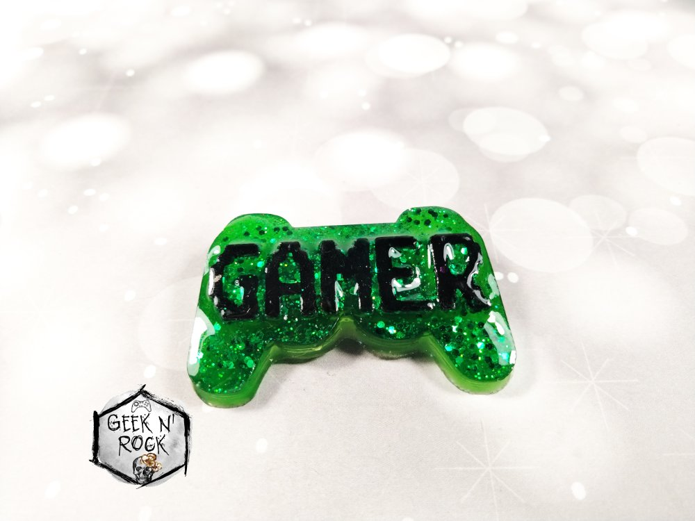 Broche manette de console geek gamer